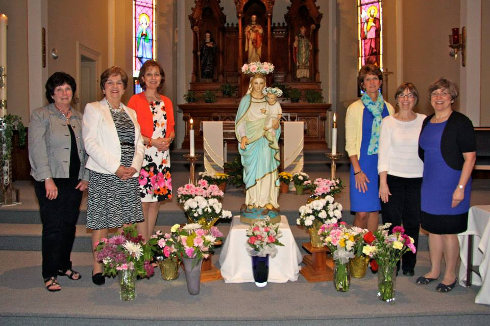 Cindy Johnson (3d from left) with May Crowning organizers.