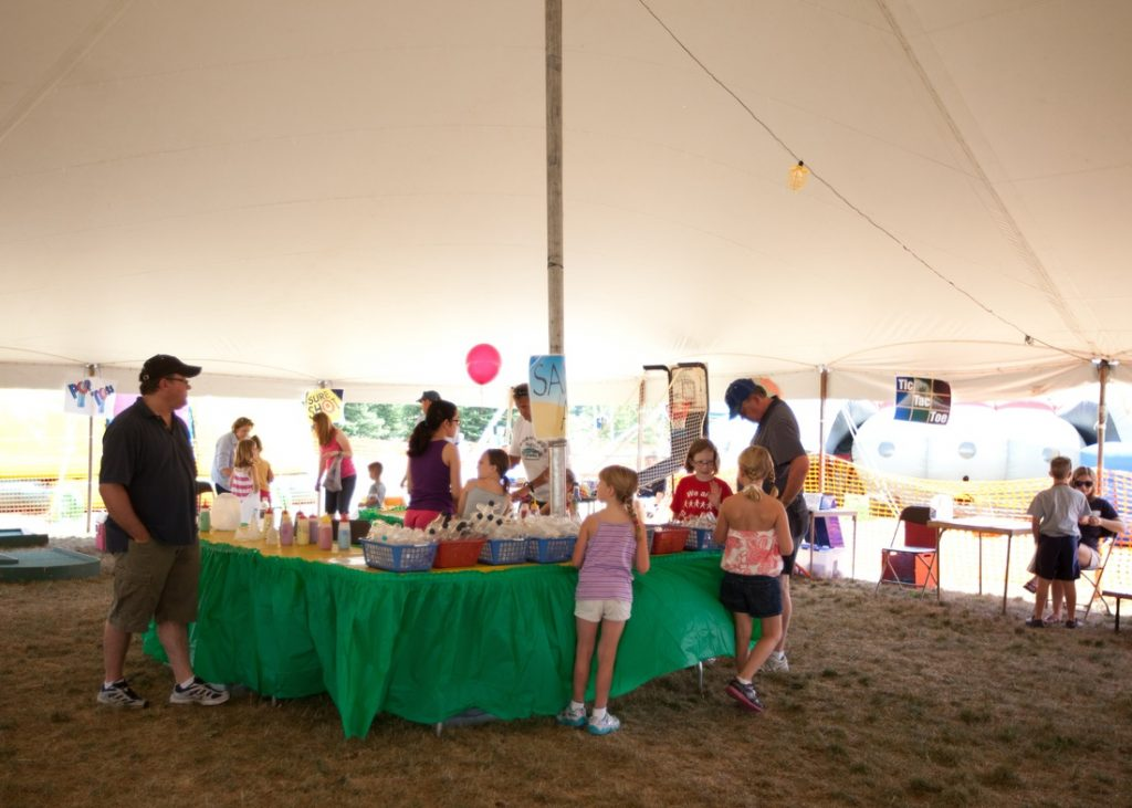 Kids' game tent at the Festival